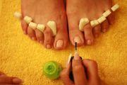 Маникюр,  педикюр, наращивание и дизайн ногтей.