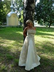 Продаю элегантное свадебное платье,  б/у один раз