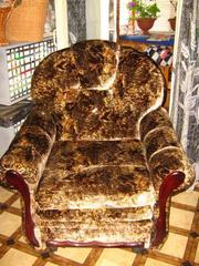 Продам  мягкую  мебель: диван и 2 кресло-кровать.