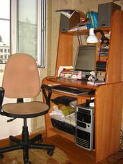 Продам компьютерные стол и стул.