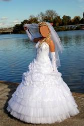 Продаю элегантное свадебное платье,  купленное в свадебном салоне